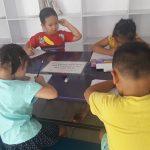Không giảm sĩ số, trẻ vẫn phải học chữ trước