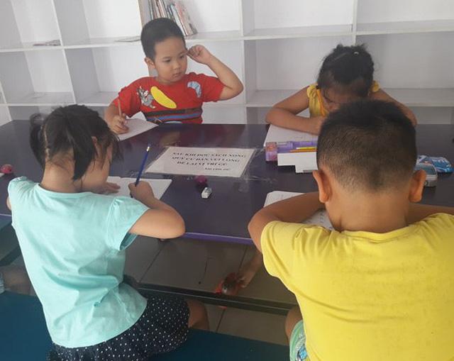 Trẻ tăng tốc học thêm vì không học chữ